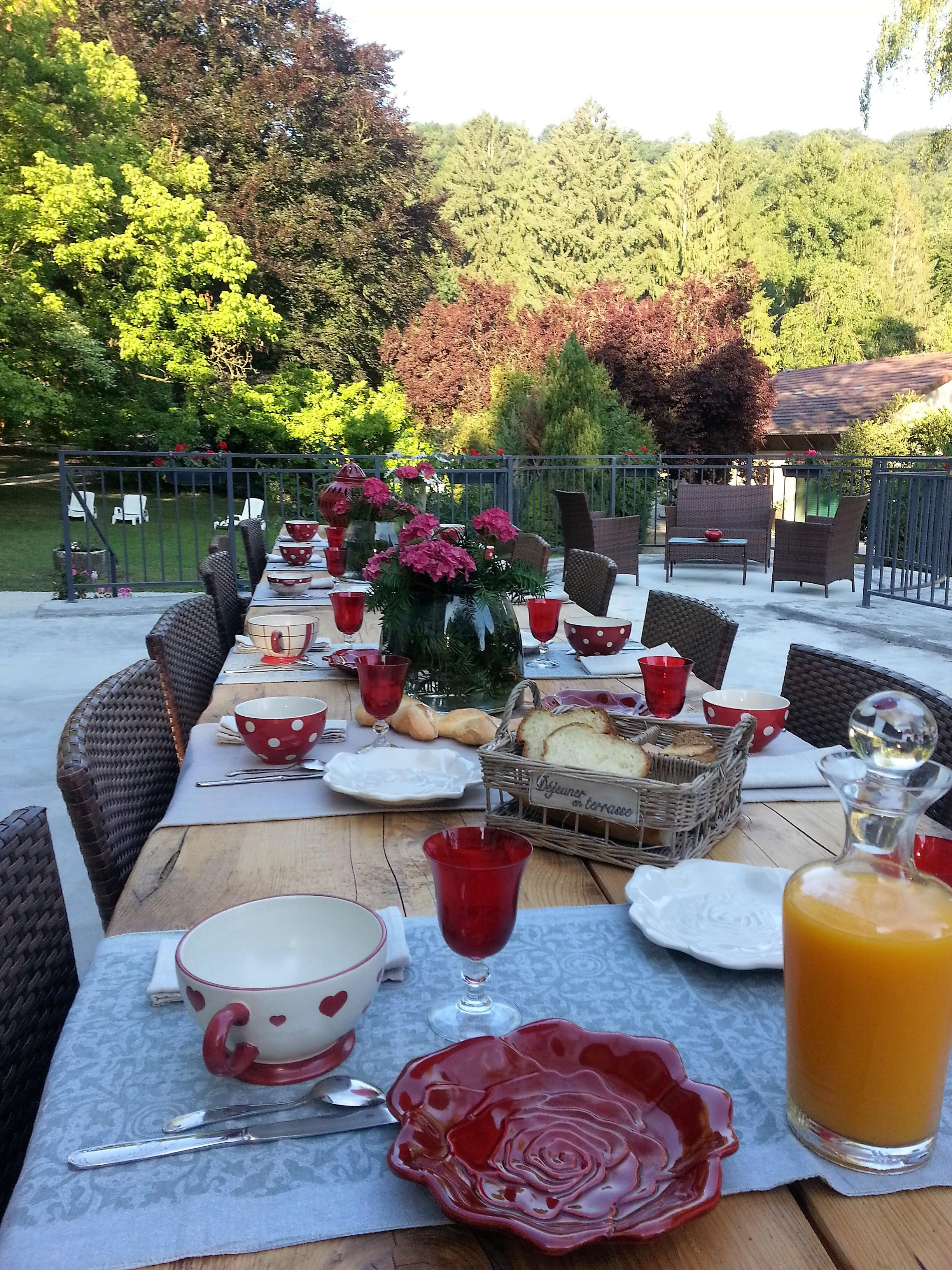 Petit déjeuner extérieur